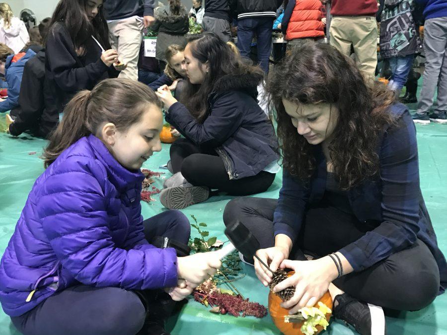 Students+enjoy+Harvest+Fest+by+Noa+Schabes+17+