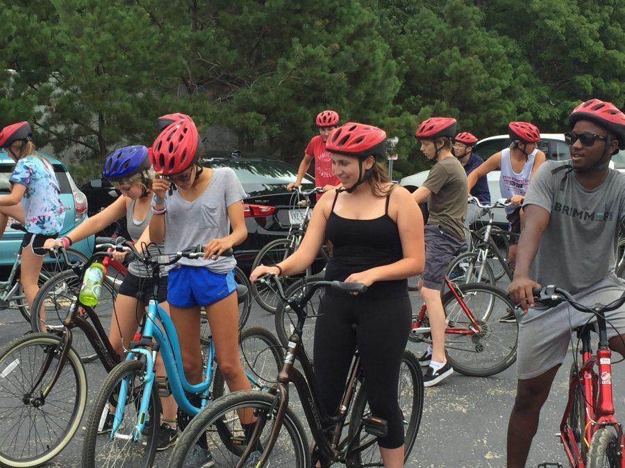 Seniors+prepare+for+a+biking+excursion+near+Camp+WIndgate+Kirkland.+Photo+by+Noa+Schabes+17.+