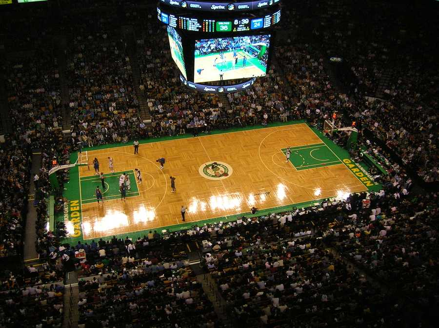 An NBA game at Bostons TD Banknorth Garden (home of the Boston Celtics). November 2007. ** Note: Slight blurriness, best at smaller sizes