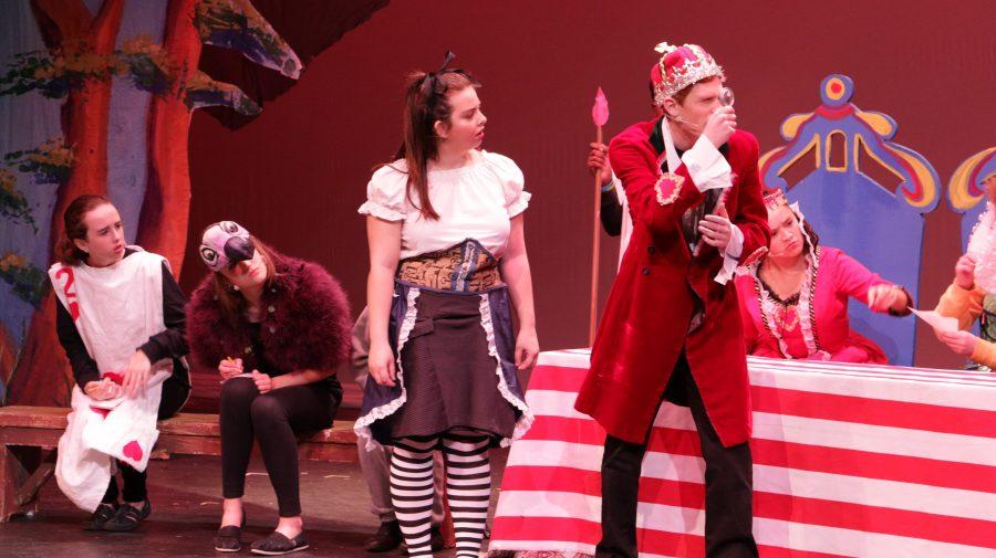 GNN%3A+Alice+in+Wonderland+Dazzles+Audiences