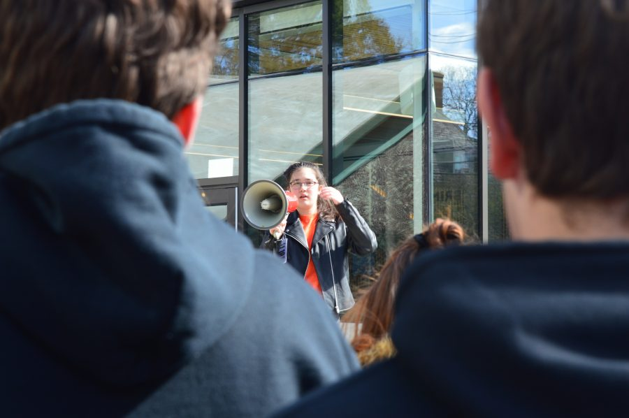 Last+year%2C+Radical+Compassion+Co-Organizer+Maya+Bousek+19+encourages+students+to+register+to+vote.+Photo+by+Michelle+Levinger+19.