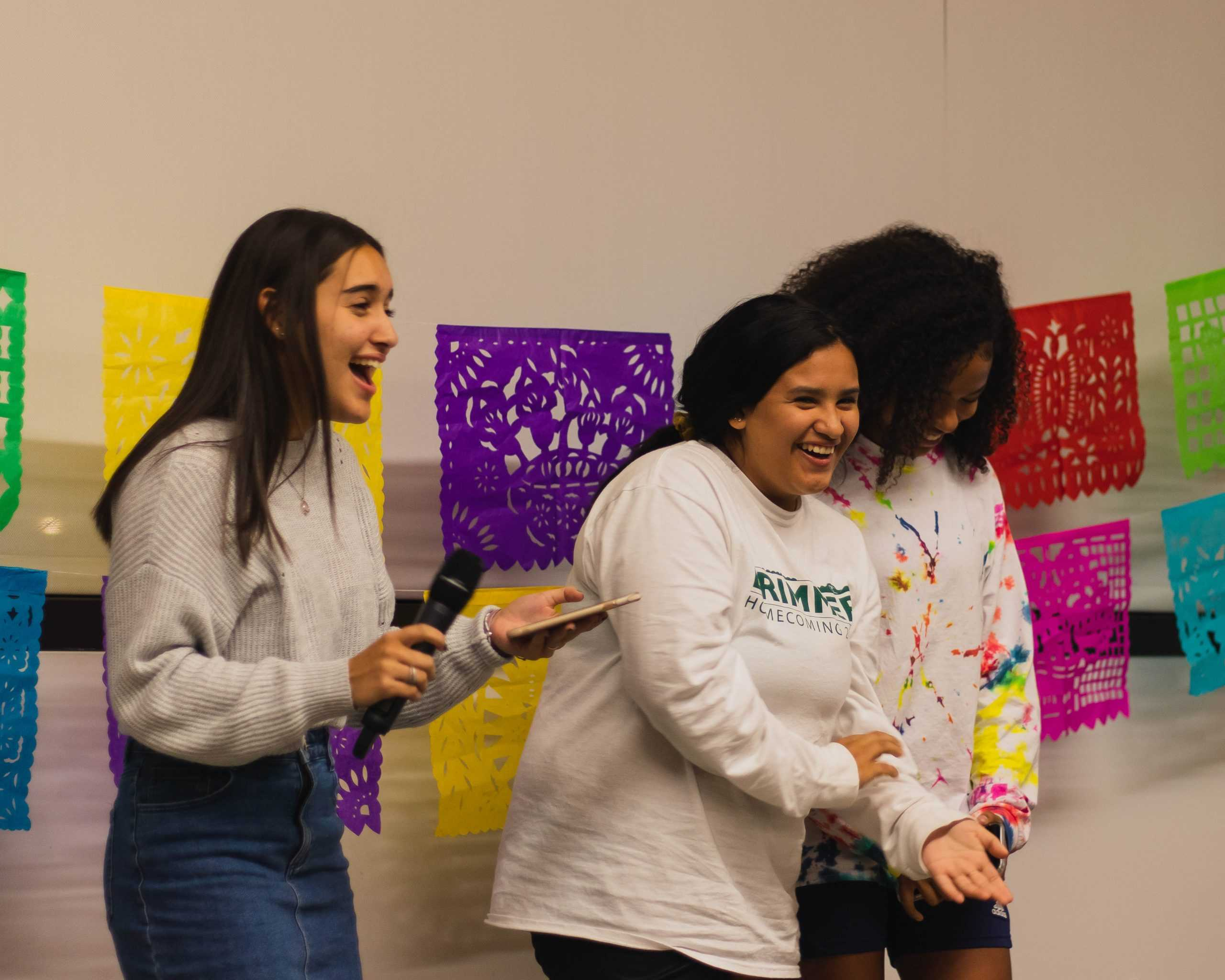Students%2C+teachers%2C+and+parents+celebrate+Hispanic+Heritage+Month+with+dancing+and+singing.%0D%0A%0D%0A